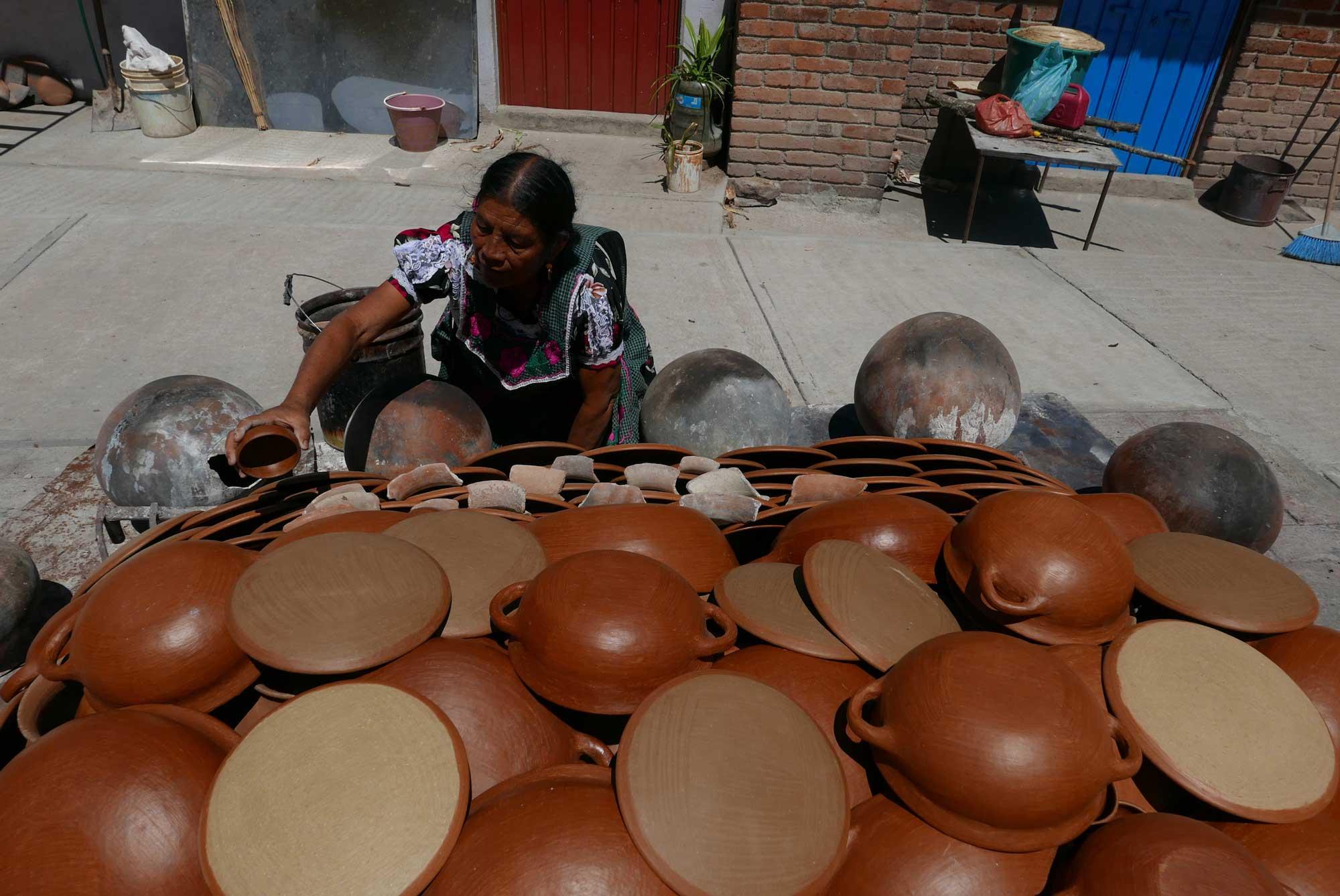 Artisan Barro Rojo Terracotta Ceramics San Marcos Tlapazola Oaxaca Mexico