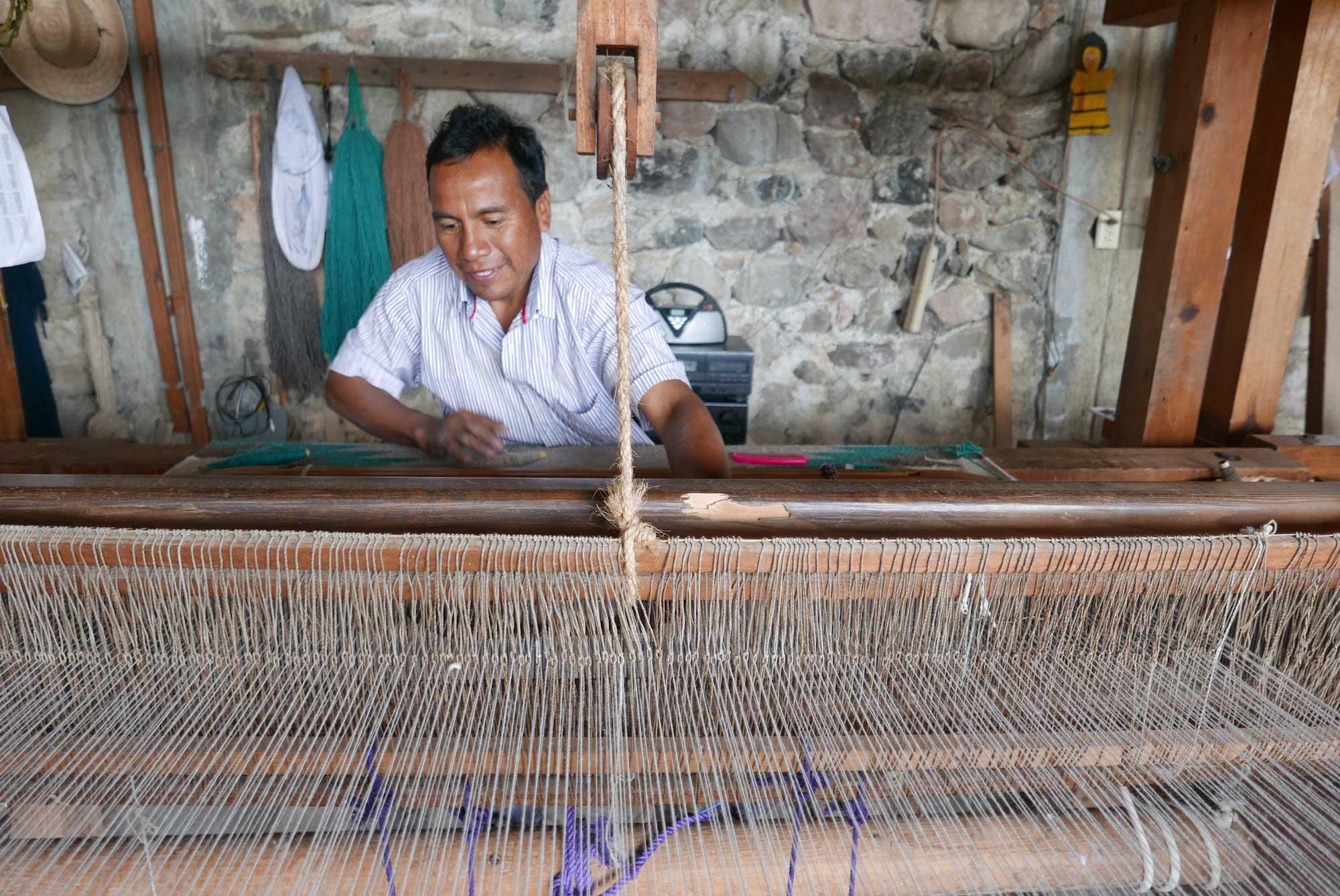 Artisan Weaving Mexican Wool Zapotec Rug Foot Pedal Loom Teotitlan de Valle Mexico