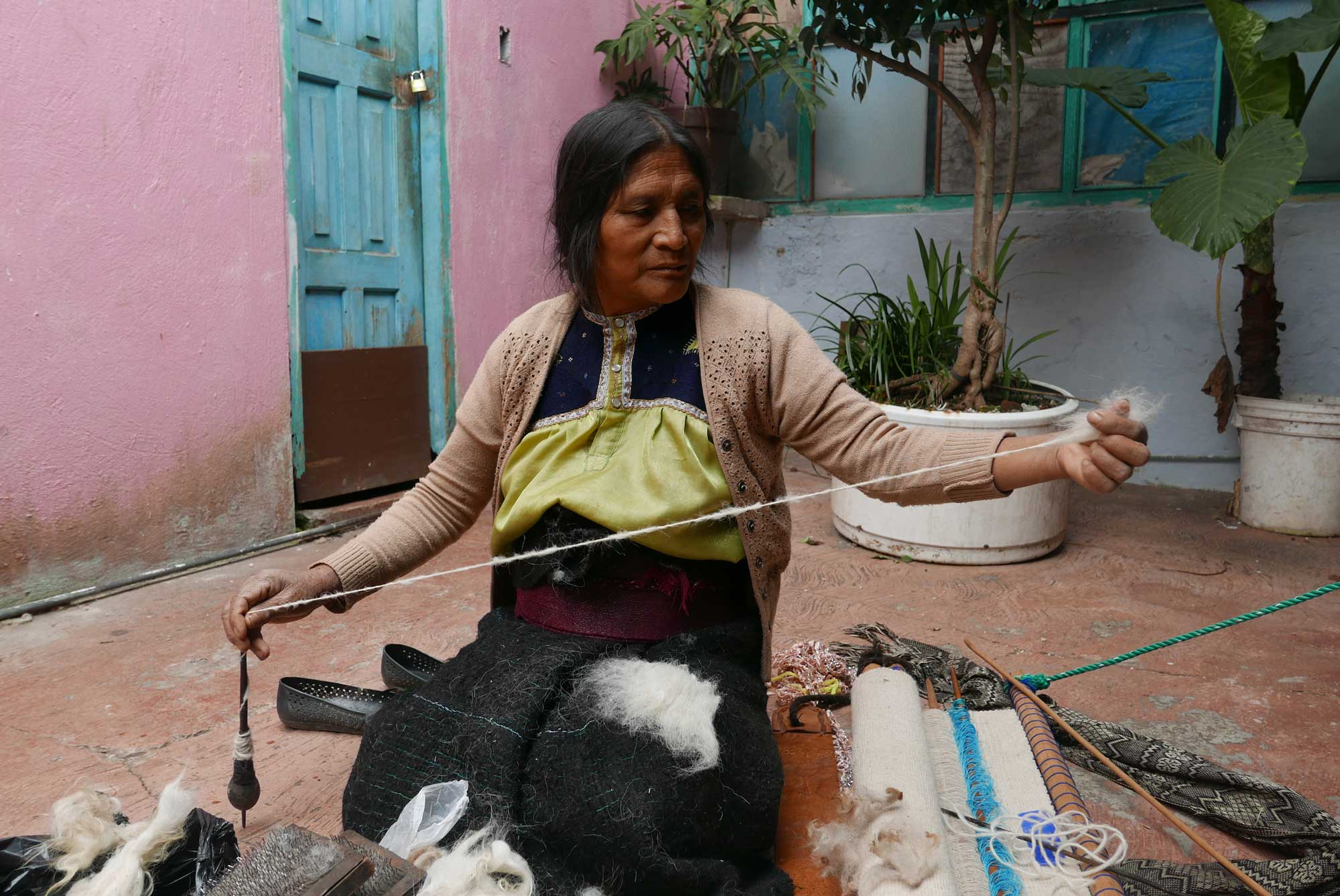 Artisan Spinning Wool Textiles Drop Spindle Chiapas Mexico