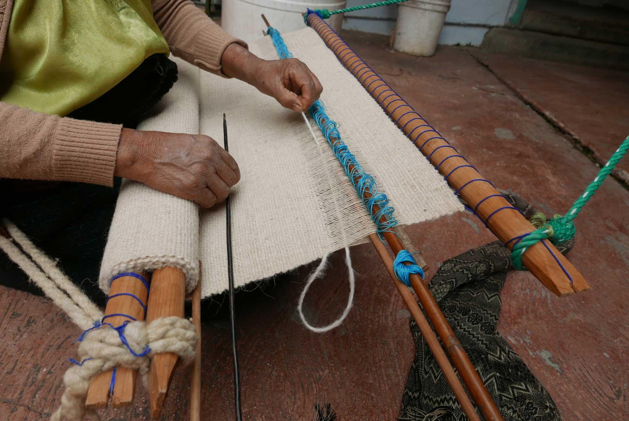 Artisan Backstrap Weaving Wool Textiles Chamula Chiapas Mexico