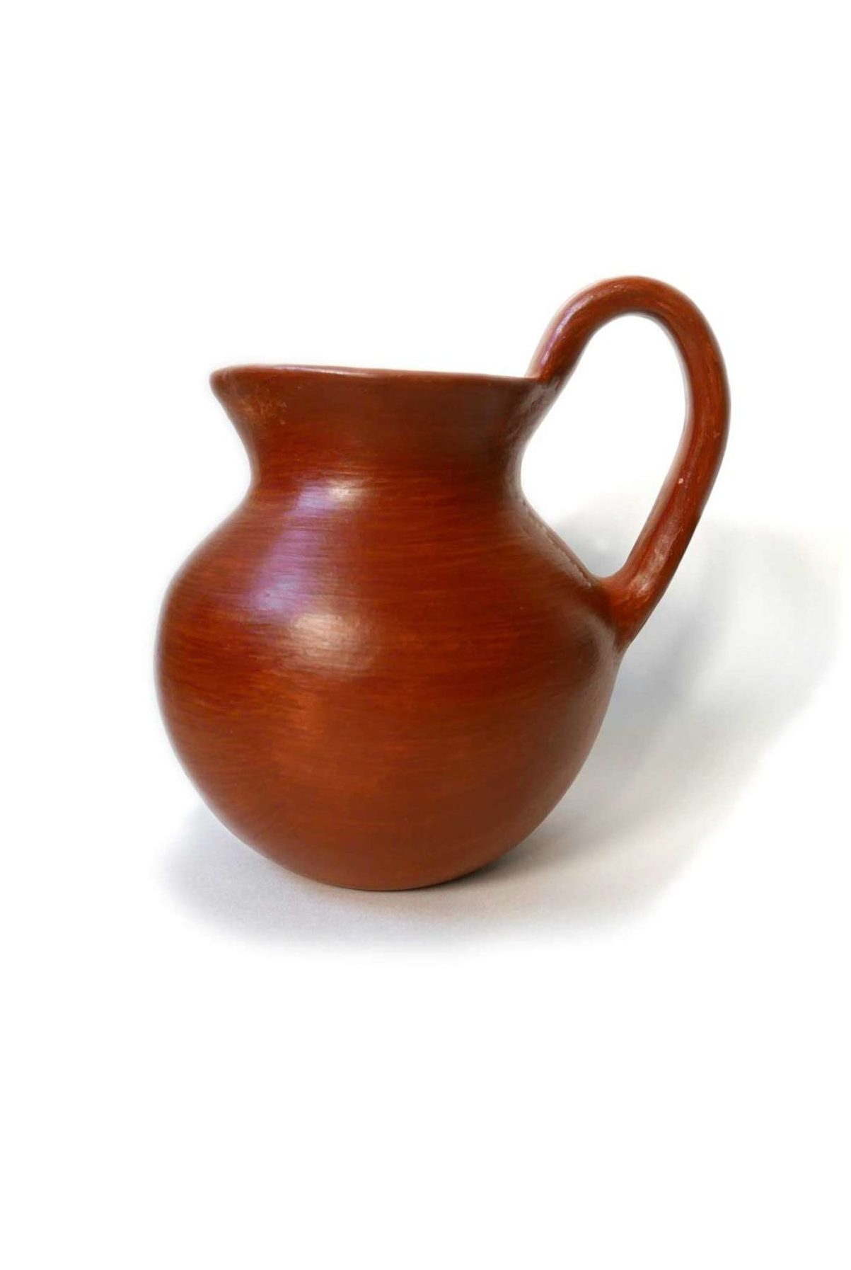 Mexican Barro Rojo Red Clay Ceramic Jug - www.nidocollective.com #barrorojo #mexicanceramics #redclaypottery #terracottajug