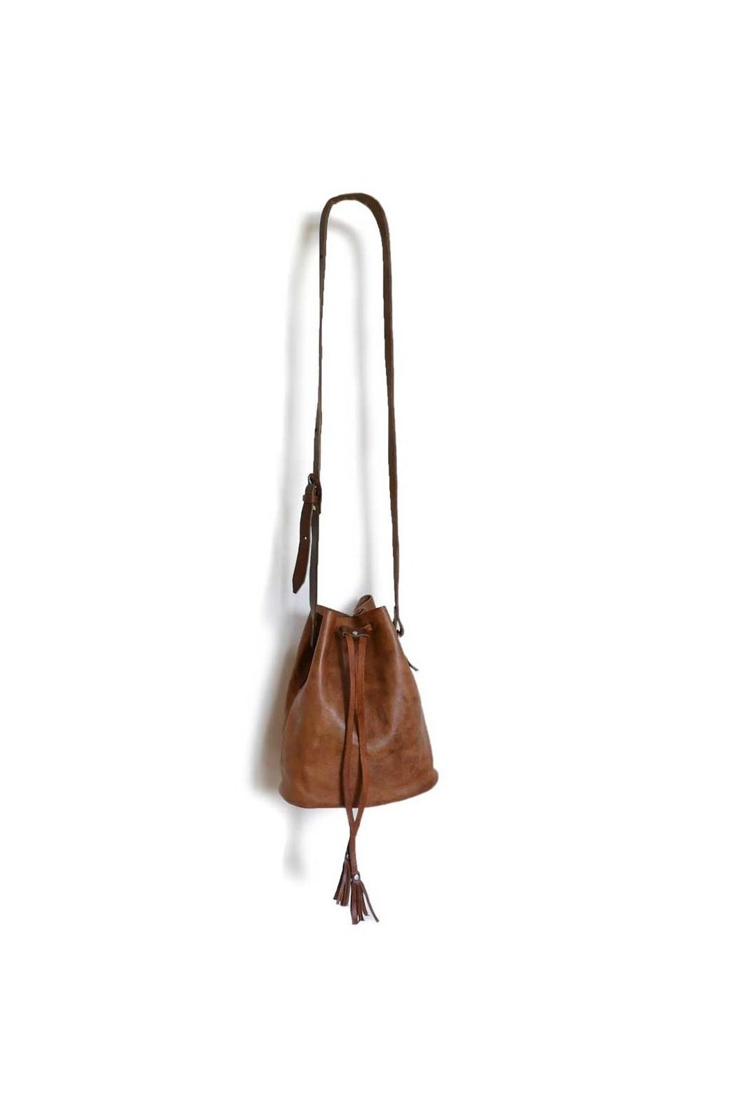 Mateo Goat Leather Bucket Bag - www.nidocollective.com #leatherbag #goatleatherbag #bucketbag #mexicanbag