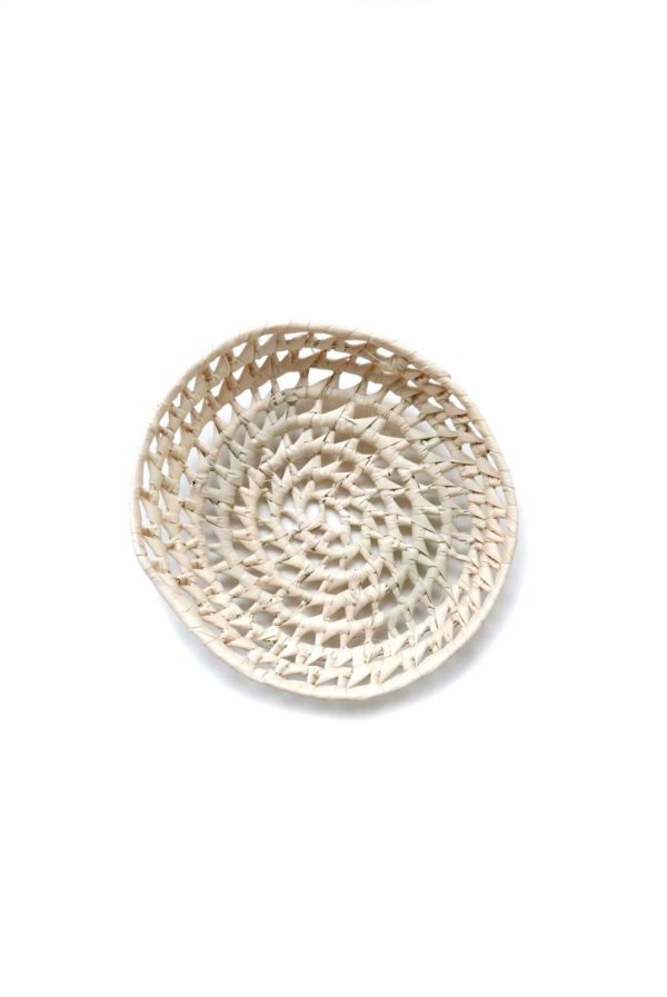 Handwoven Mexican Small Palm Bread Basket - www.nidocollective.com #mexicanbasket #palmbasket #breadbasket