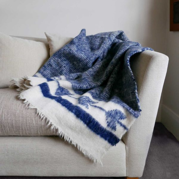 Indigo Guatemalan Blanket Altos Blanket - www.nidocollective.com #guatemalanblanket #momostenango