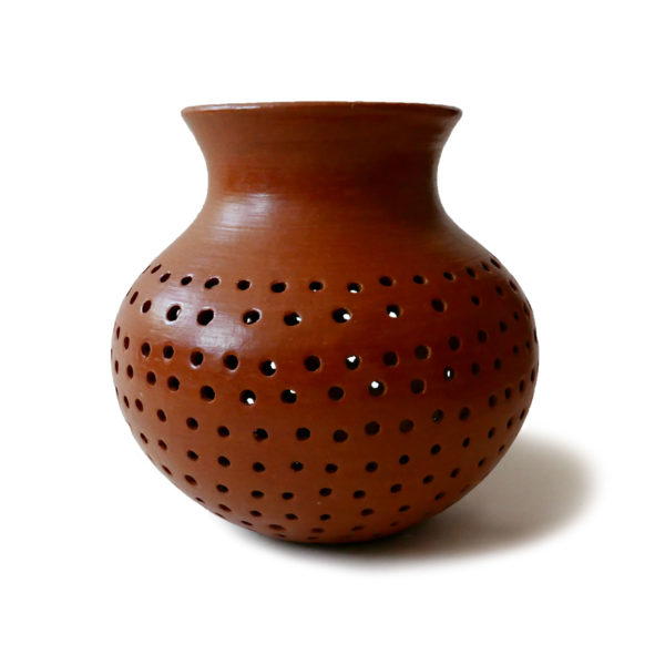 Mexican Barro Rojo Red Clay Ceramic Vase - www.nidocollective.com #barrorojo #mexicanceramics #redclaypottery #terracottavase
