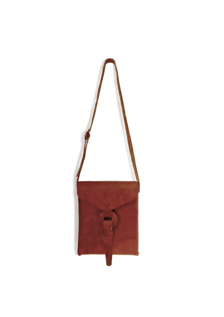 Envelope Cross Body Bag - www.nidocollective.com #leatherenvelope #leathercrossbodybag #ethicalaccessories #musthavecrossbodybag