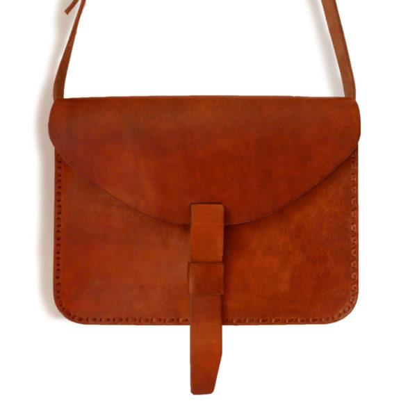 Minimal Leather Satchel - www.nidocollective.com #leathersatchel #leathercrossbodybag #artisanleather