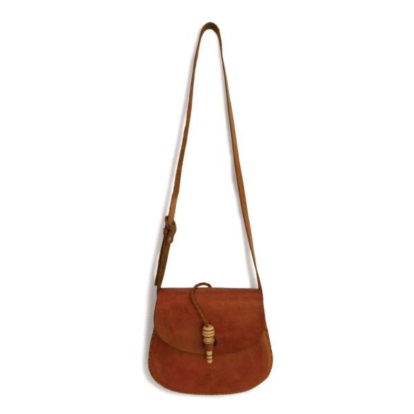 Minimal Toggle Cross Body Bag - www.nidocollective.com #festivalcrossbody #leathercrossbodybag #ethicalaccessories #musthavecrossbodybag