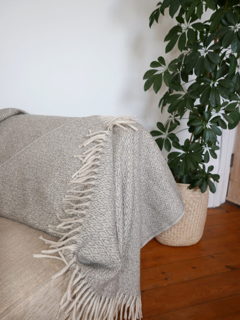Diamond Virgin Wool Throw - www.nidocollective.com #mexicanblanket #virginwoolthrow #virginwoolblanket