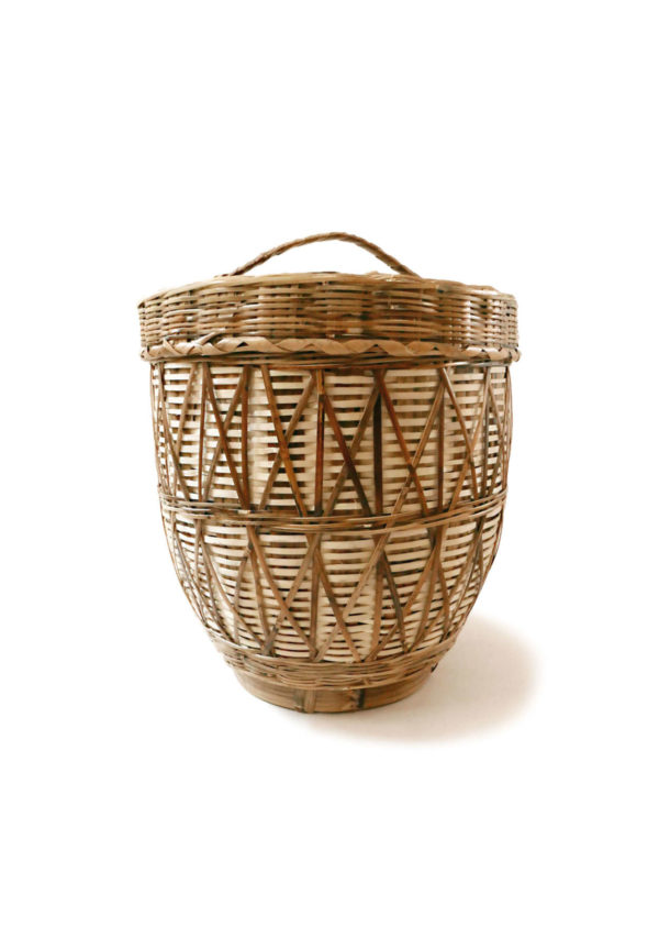 Handwoven Mexican Carrizo Storage Basket - www.nidocollective.com #mexicanbasket #carrizobasket #storagebasket #canastasdecarrizo