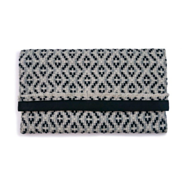 Zinacantan Clutch Bag - www.nidocollective.com #mexicanclutchbag #handwovenclutchbag #ethicalaccessories